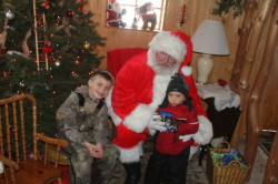 Country Acres Mason, Maximus Santa
