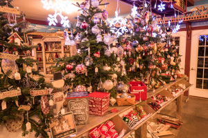 A decorated Christmas Tree in the Gift Shop