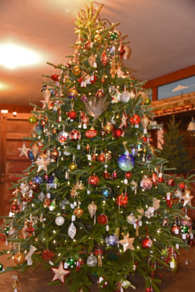 Gift Shop Display Tree