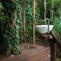 SR-Rainforest-Hut-ensuite
