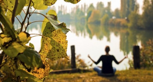 Yoga-autumn-494x265